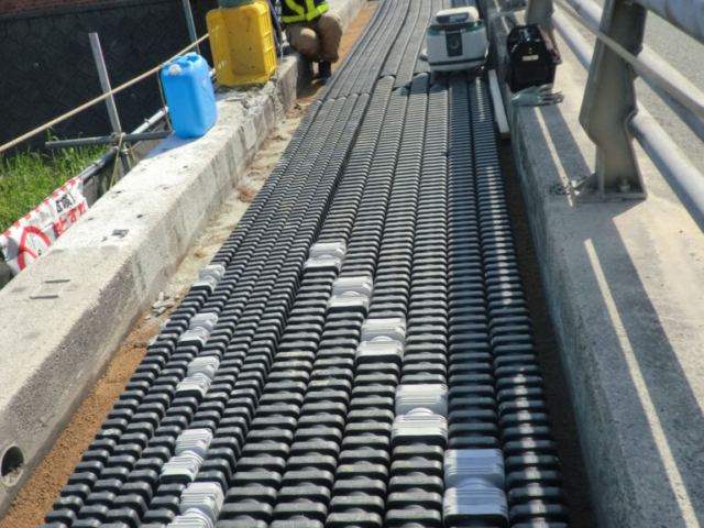 Furukawa Electric - EFLEX Square underground cable duct installation - highways